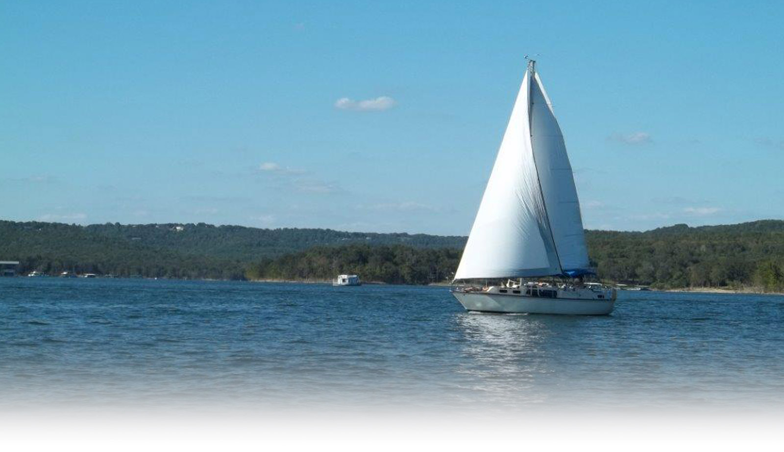 Yacht - Table Rock Lake